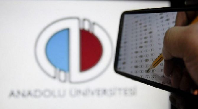 Anadolu Üniversitesi'nden online sınav duyurusu!