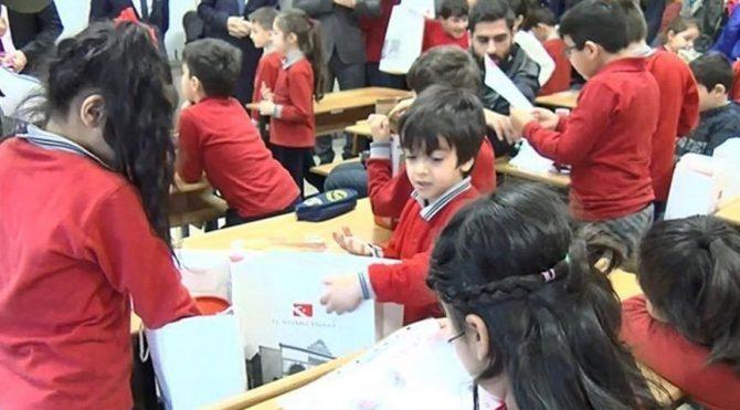 Koronavirüs Nedeniyle Tatil Olan Okullar Ne Zaman Açılacak?